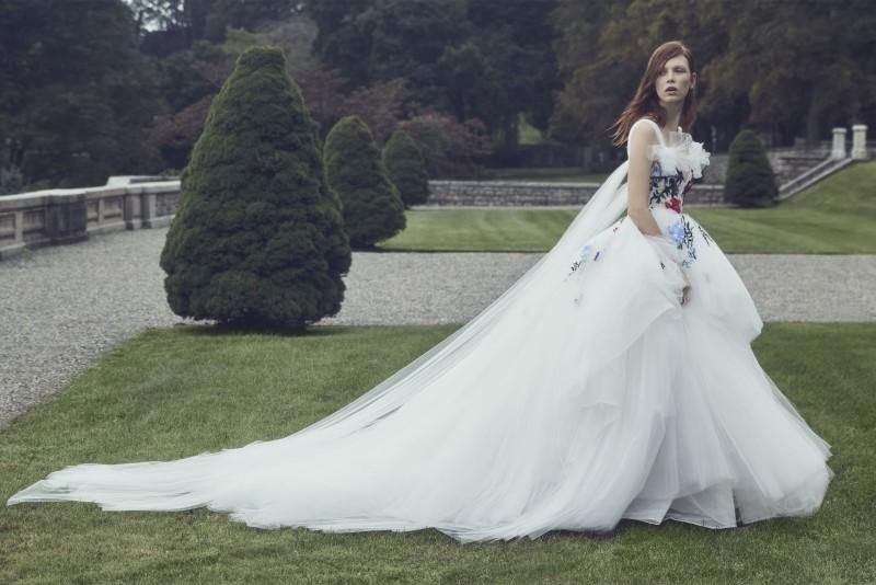 10 idei de rochii de mireasa albe clasice de care te vei indragosti