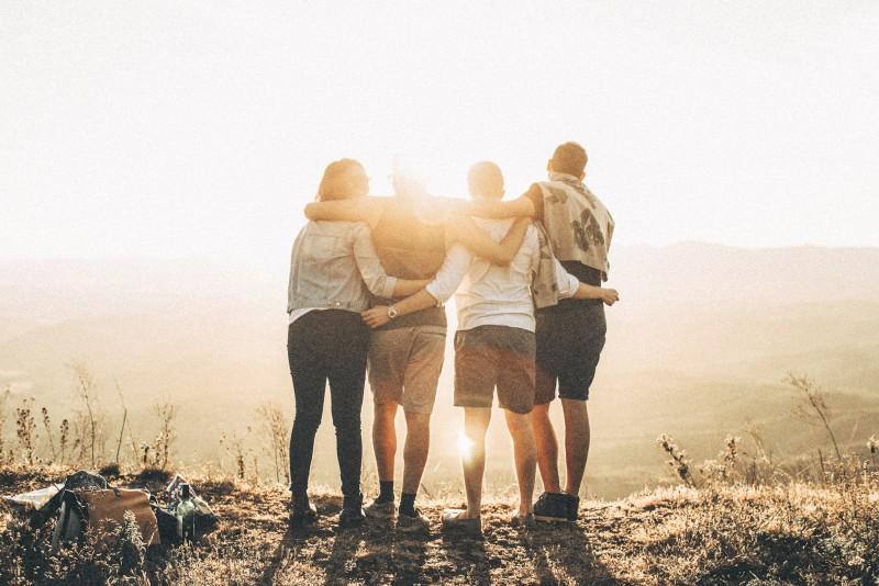 5 intrebari la care sa-ti raspunzi inainte sa inchei o prietenie