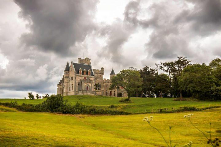 Castele, palate și cetăți de vizitat în Franța