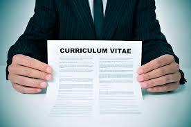 Cum sa iti faci un CV cat mai bun dupa absolvirea scolii