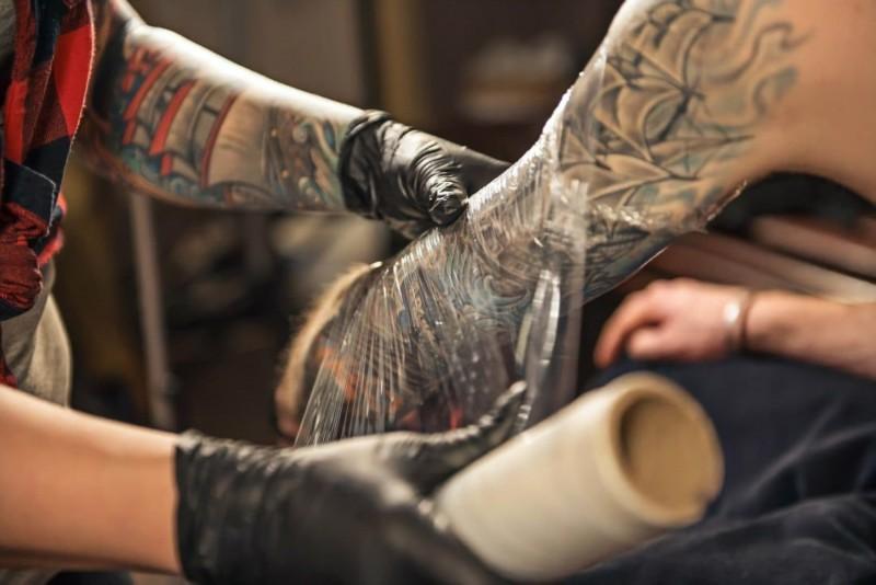In cat timp se vindeca un tatuaj?