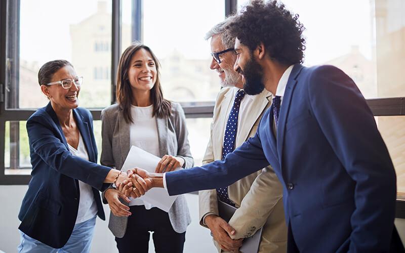 Incepeti un nou job, sfaturi utili pentru o prima zi de succes