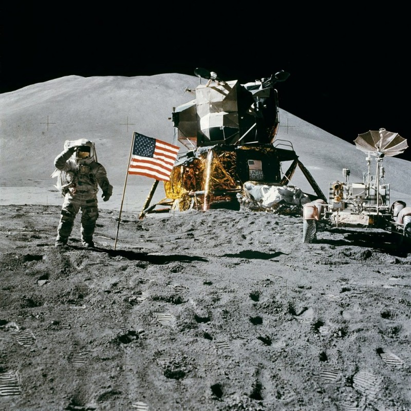 NASA Lansează Noi Costume Spațiale
