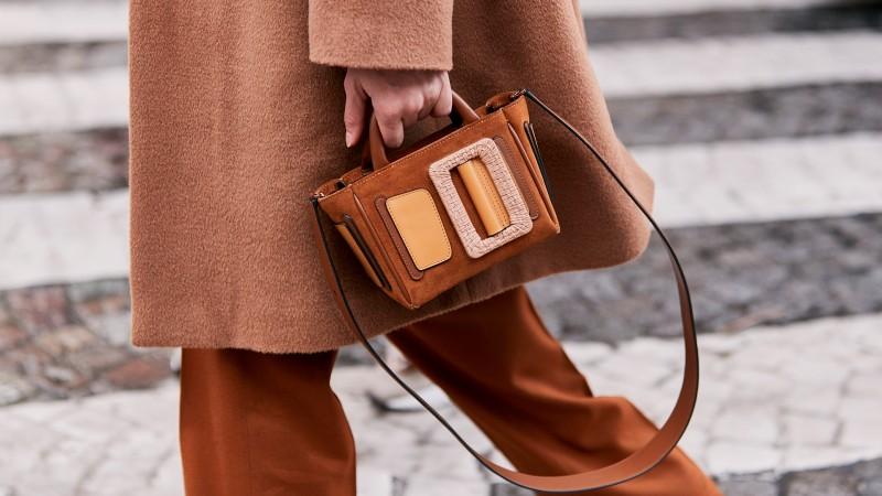 Sase lucruri de care trebuie sa tii cont atunci cand iti cumperi o geanta