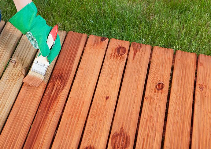 Stii cum sa alegi cel mai bun lac pentru lemn? Descopera acum cele mai importante aspecte, de care sa tii cont!