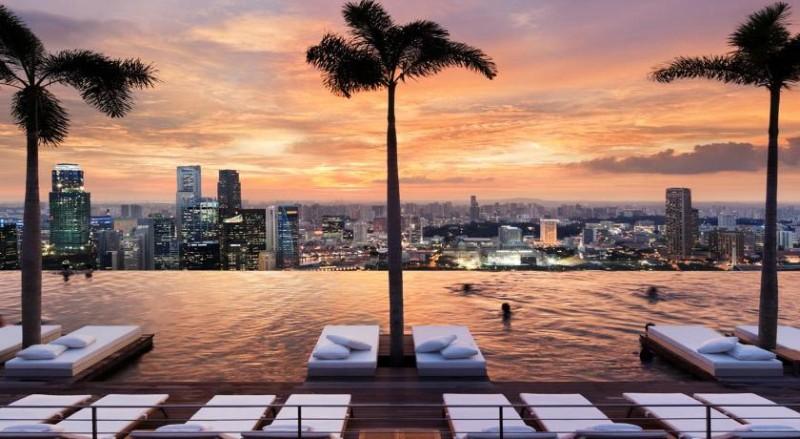 Vezi care sunt cele mai frumoase piscine la exterior din lume